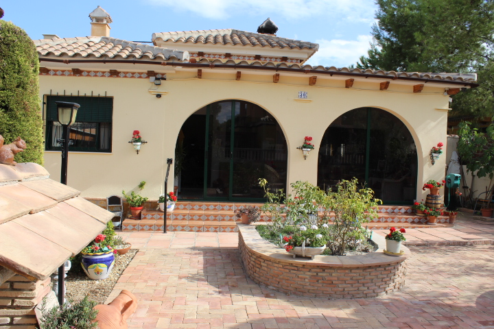 BEAUTIFUL PROPERTY IN CALASPARRA FOR SALE