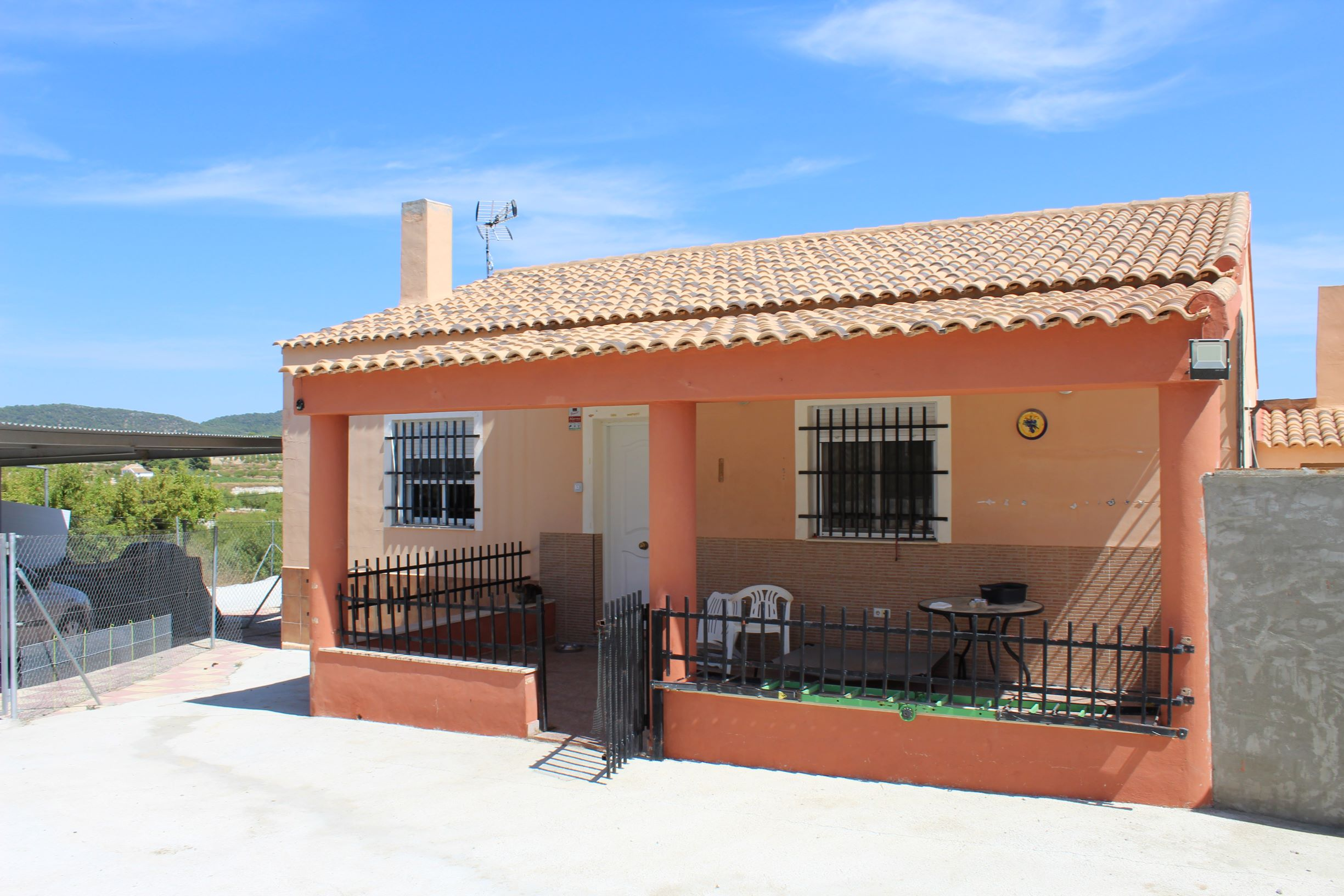 THREE BEDROOM HOUSE FOR SALE IN BULLAS