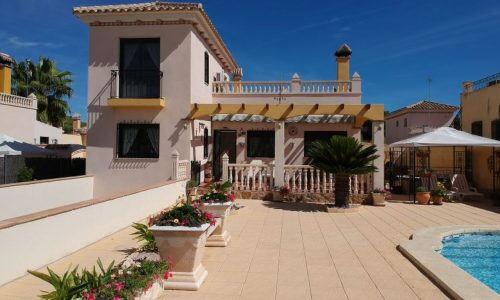 BEAUTIFUL 3 BEDROOM HOUSE IN CALASPARRA FOR SALE.