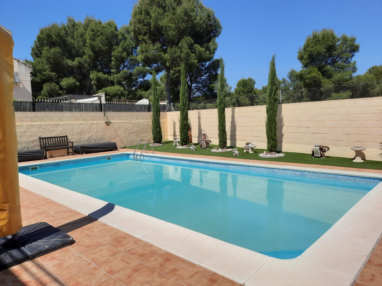 IMMACULATE THREE-BEDROOM VILLA FOR SALE
