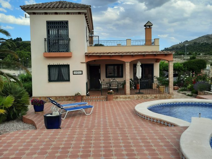 THREE BEDROOM HOUSE FOR SALE IN CALASPARRA